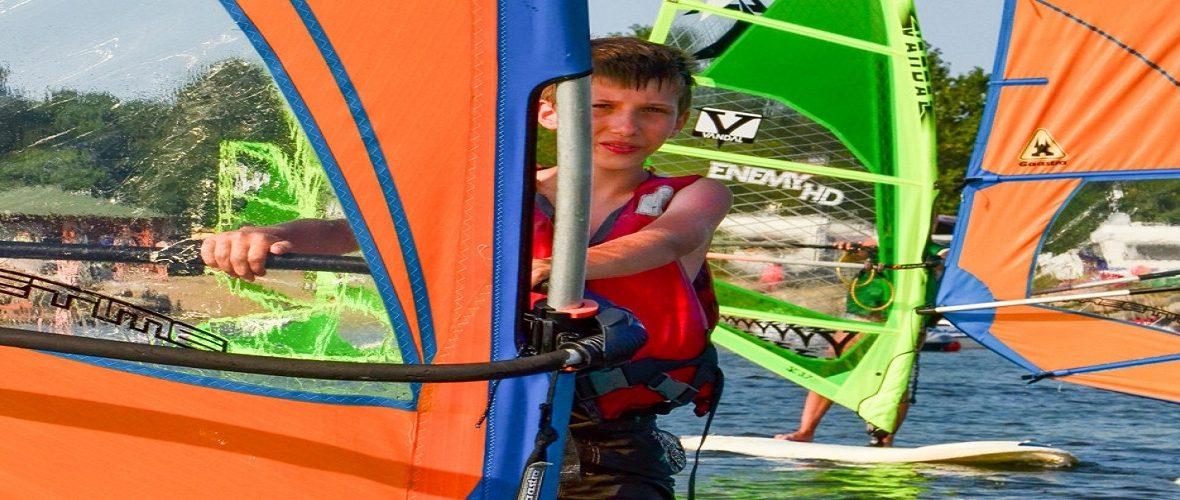Szkoła kitesurfingu i windsurfingu + windsurfing dla dzieci