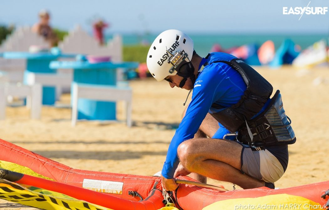 Dzięki użyciu radia lub systemu BB Talkin' możesz szybciej uczyć się kitesurfingu.
